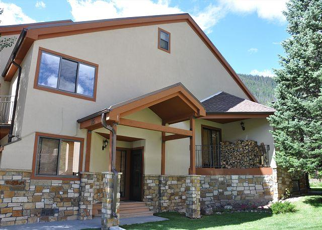 Sundial Townhomes #5 Great spacious 4 bedroom + den 3 bath home in East Vail - Image 1 - Vail - rentals