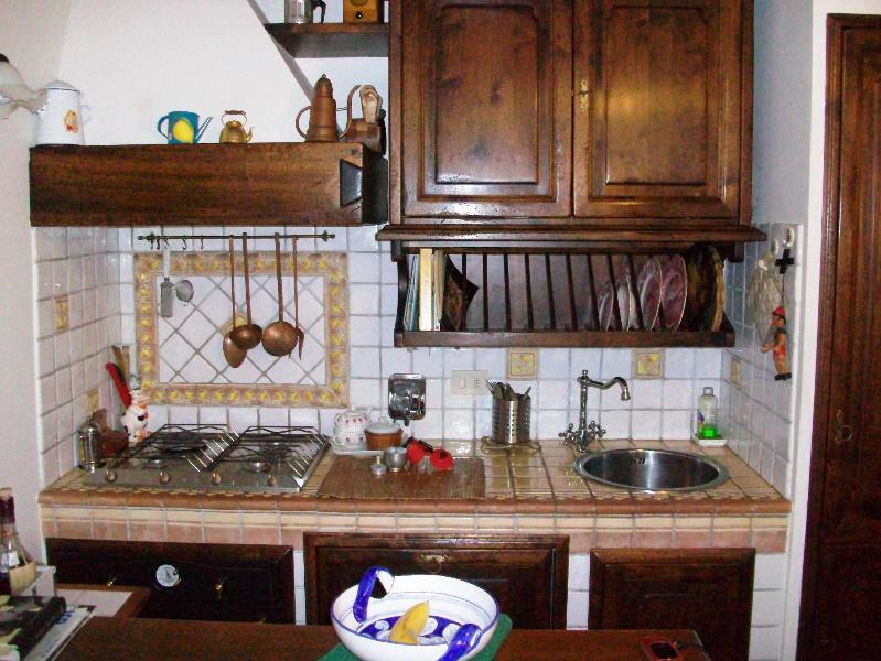 Tipical  florentine kitchen - APT 2BEDROOMS nearby Main Station - Florence - rentals