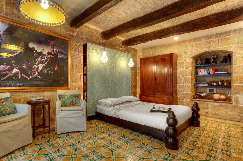 Romantic bedroom with antique colourful tiles - Valletta G-House - vacation rental for two in a 16th Century House - Valletta - rentals