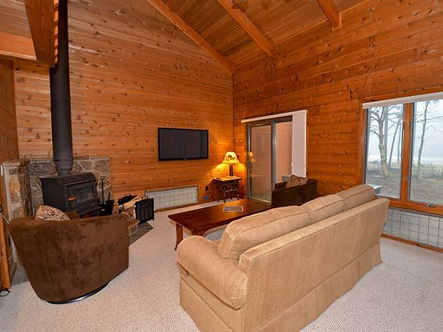 Powder Monkey 11: 3 Bedrooms, 2 Full Baths. Wood Fireplace. - Powder Monkey 11: Fireplace, 3 BR / 2 Baths - Snowshoe - rentals