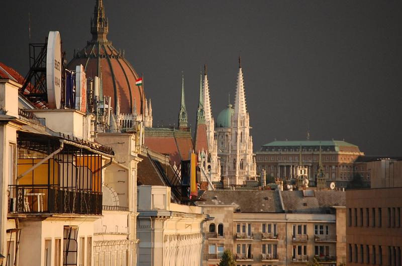 view from the bed and breakfasr room - Classical Bed & Breakfast  near to the Parliament - Budapest - rentals