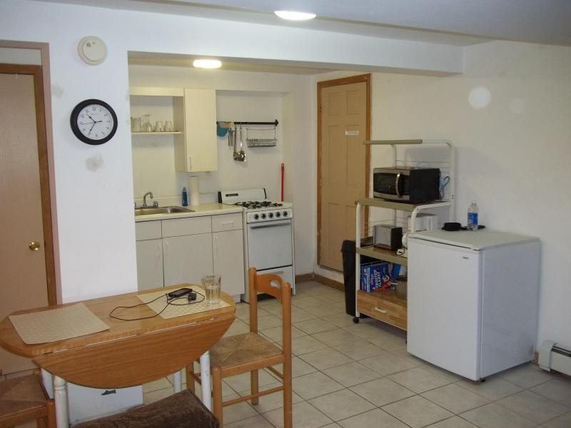Kitchen and part of Dining Area - Apartment with Backyard, 15 min to Times Square - New York City - rentals