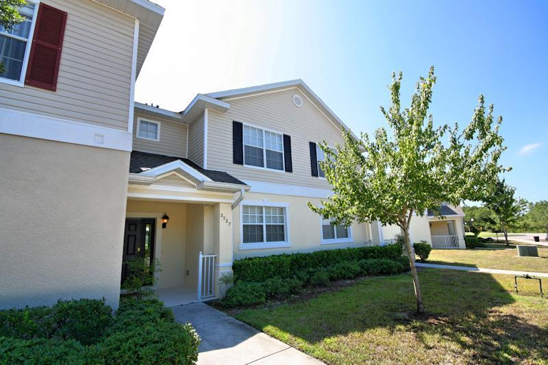 3 Bedroom Townhome - 3 Bed Townhome - Onsite Clubhouse, (2527-TRA) - Kissimmee - rentals