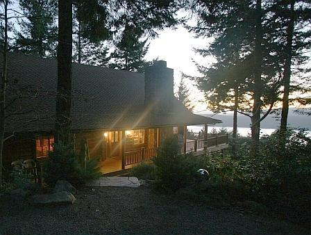 Timber Lodge Log Home on Orcas Island - Timber Lodge Log Home, Tipi, Home Theater, Hot Tub - Eastsound - rentals