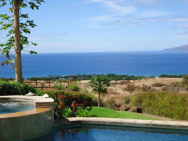 another view of bay below - Maui Dream Custom Villa with great ocean views - Lahaina - rentals