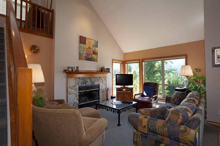 Cozy Living Room with Fireplace and Flat Screen TV on Second Level - Painted Cliff 13 | Whistler Platinum | Ski-in/Ski-out - Whistler - rentals