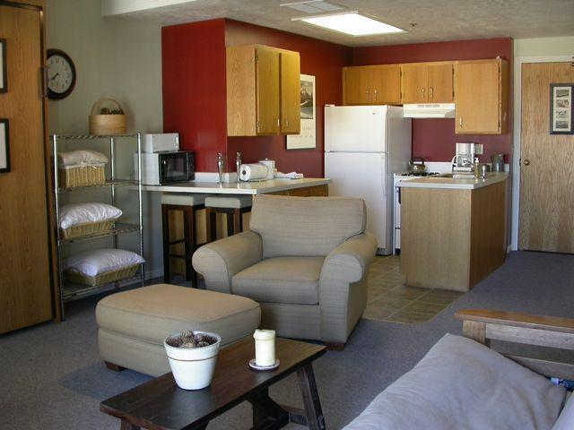 Living & Kitchen Area - Park City Ski Condo Main St - 4 Per Ski-in Ski-Out - Park City - rentals