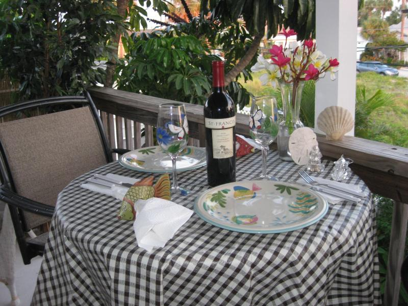 Your Own Private Table - Romance On The Beach! Great View of the Beach! - Clearwater Beach - rentals
