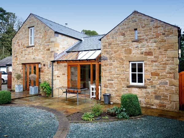 THE PADDOCK, family friendly, luxury holiday cottage, with open fire in Tunstall, Ref 11219 - Image 1 - Tunstall - rentals