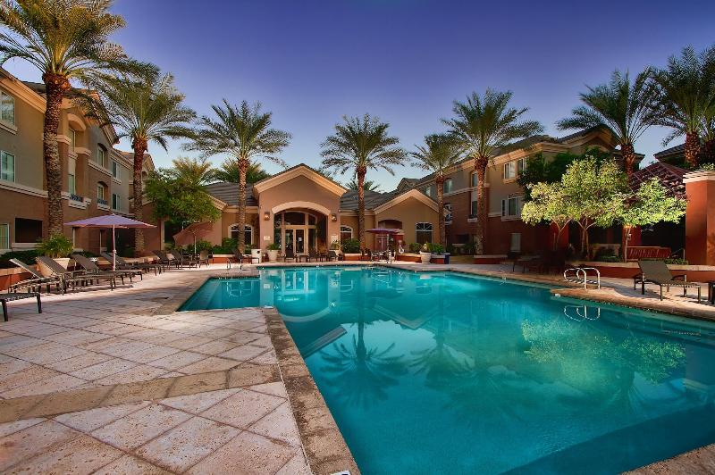 Resort Style Year Round Pool - Perfect For Sunbathing and Relaxation - Summertime Savings! Great Location! Next to Golf! - Phoenix - rentals