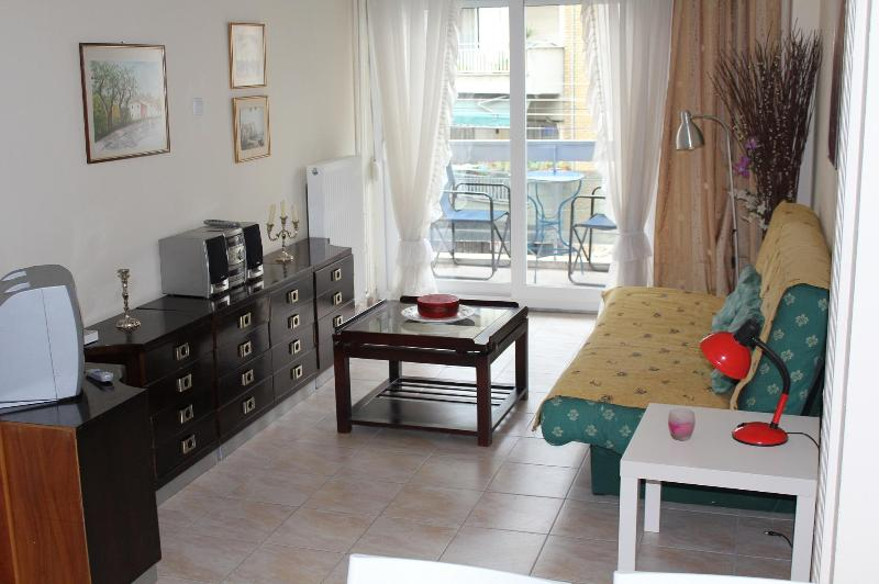 Fully Furnished Apartment Near City Center - Image 1 - Thessaloniki - rentals