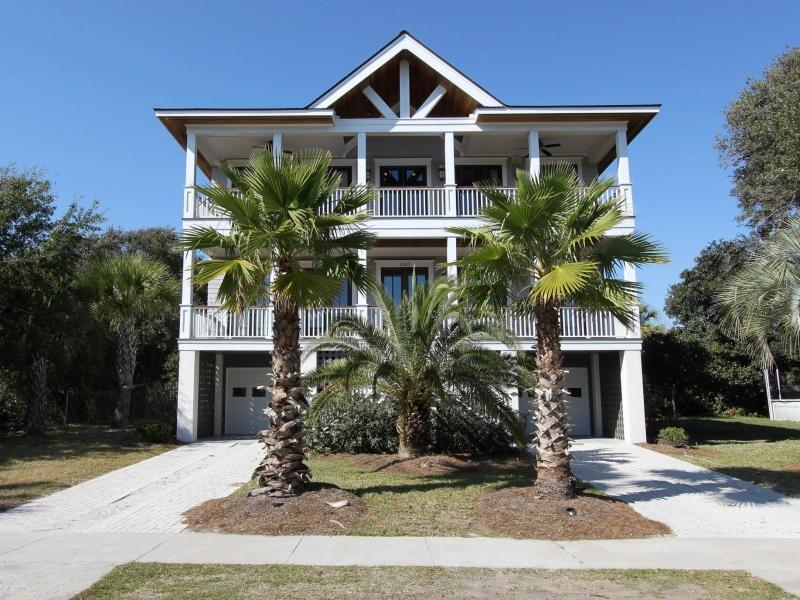 2nd row across the street from the beach - Isle of Palms Private Pool Ocean View 6 Bedrooms - Isle of Palms - rentals