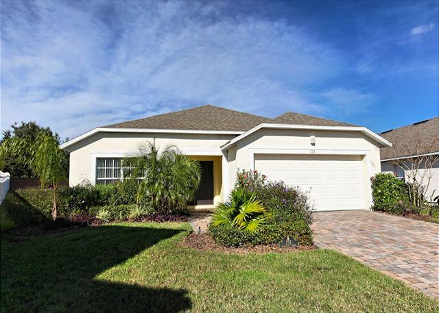 Front View - FANTASIA ONE: 4 Bedroom Home with Extra Pool and Spa Privacy - Davenport - rentals
