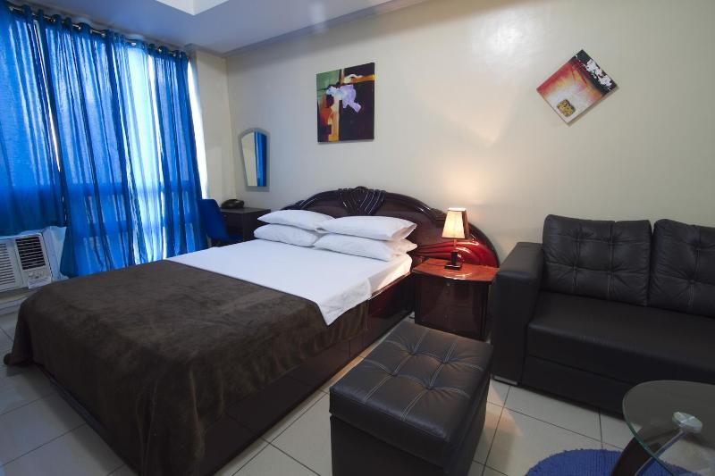 Fully Furnished Studio in Robinson's Place Manila - Image 1 - Manila - rentals