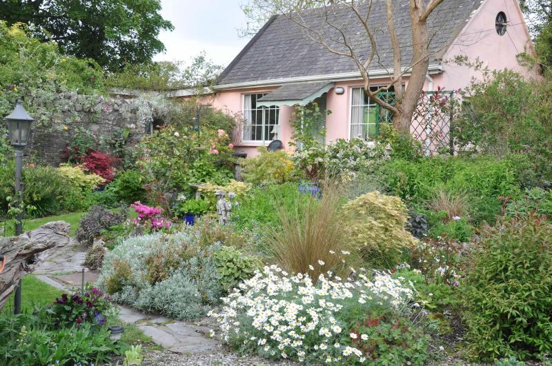 Garden Cottage - Garden Cottage Self Catering with Lake View - Tipperary - rentals