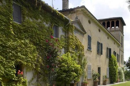 Villa Gioli features marvelous views, onsite caretaker and marvelous paintings - Image 1 - Tuscany - rentals