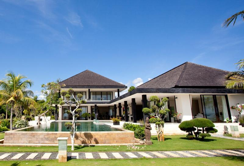 Luxury Beachfront Villa with Tennis Court, Helipad & Boat - Image 1 - Lovina Beach - rentals