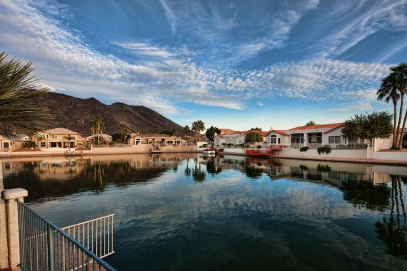 Amazing skyline view over the Thunderbird Mountain - GORGEOUS LAKEFRONT! GOLF/PRO SPORTS! - Phoenix - rentals