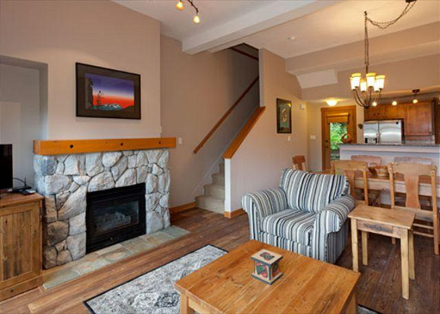 Open Concept Living Area with Gas Fireplace and Flat Screen TV - Mountain Star #3 | 2 Bedroom + Den Townhome, Ski Access to Blackcomb, Hot Tub - Whistler - rentals