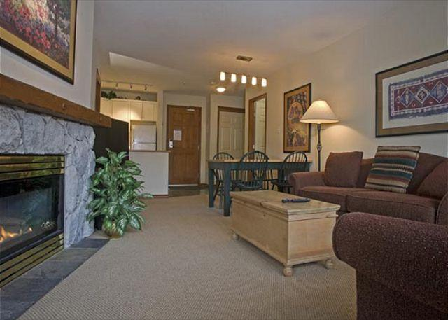 Living Area - Aspens, prime ski-in, ski-out, bright 2 bedroom unit with BBQ & AC - Whistler - rentals