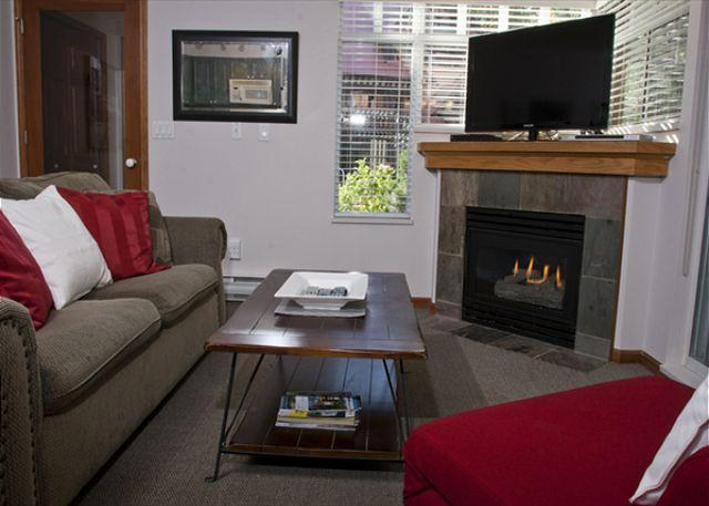 Living Room - Sunpath 1 bdrm, sleeps 5, Quiet setting just steps from the action! - Whistler - rentals