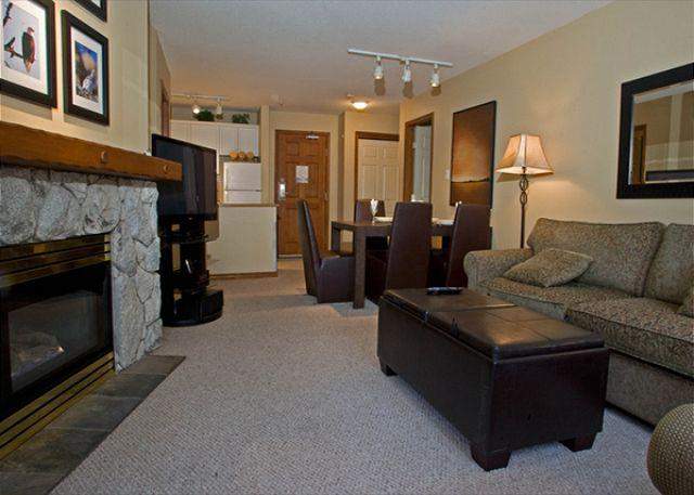 Living Area - Aspens, prime ski-in, ski-out, 2 bedroom unit with BBQ & AC - Whistler - rentals