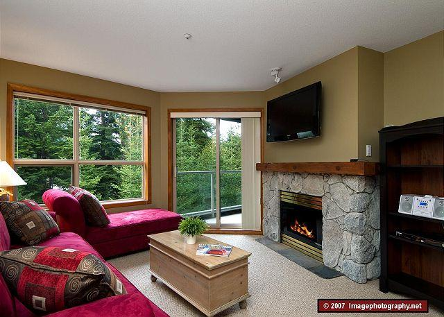 Living Room - Aspens, prime ski-in, ski-out, 1 bdrm with BBQ, AC & a serene forest view - Whistler - rentals