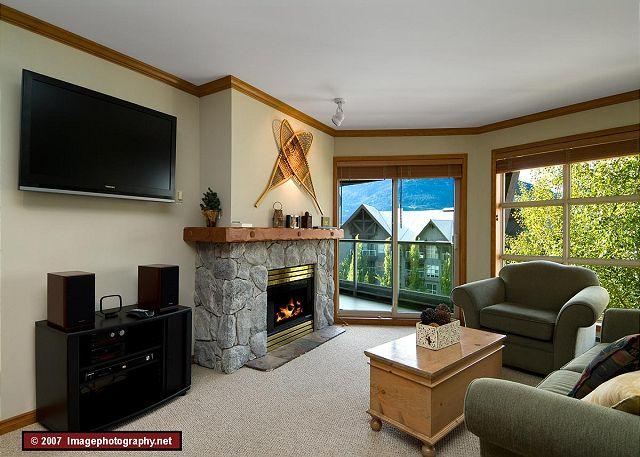 Living Room - Aspens, prime ski-in, ski-out 1 bdrm with bright pool view& BBQ - Whistler - rentals