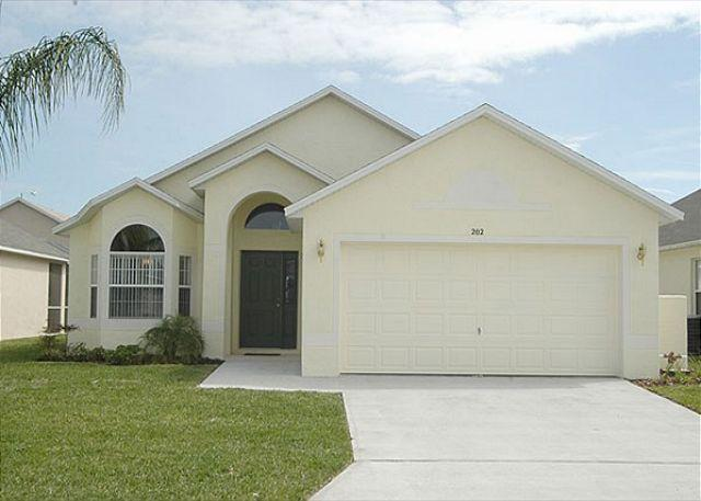 Front - WESTBURY PALMS: 3 Bedroom Pool Home with Game Room and Complimentary WIFI - Davenport - rentals