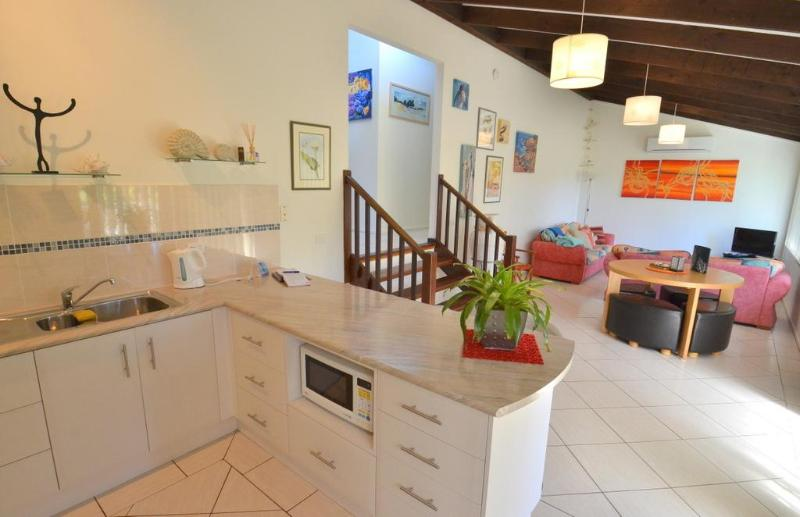 Light filled living area and kitchen - Light filled contemporary holiday home NSW South Coast - Bermagui - rentals
