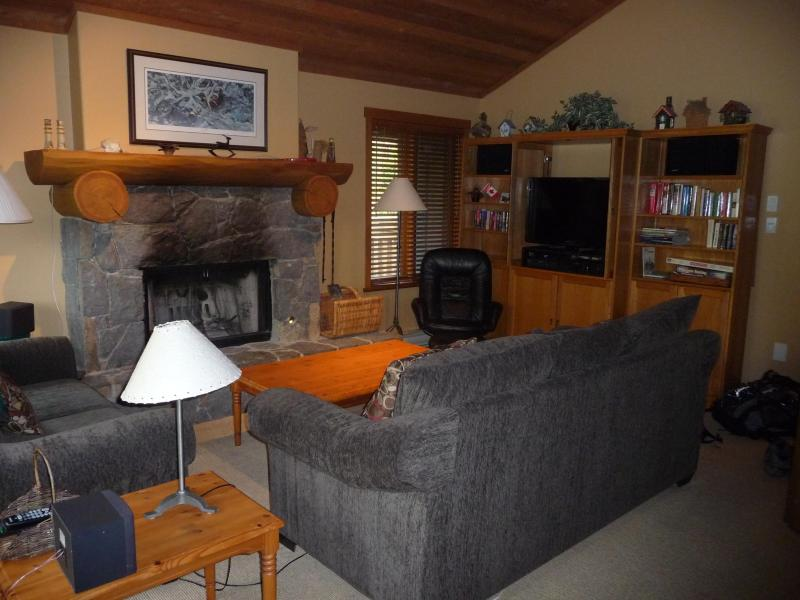 Living room - 2 Bedroom Creekside condo on Whistler Mountain - Whistler - rentals