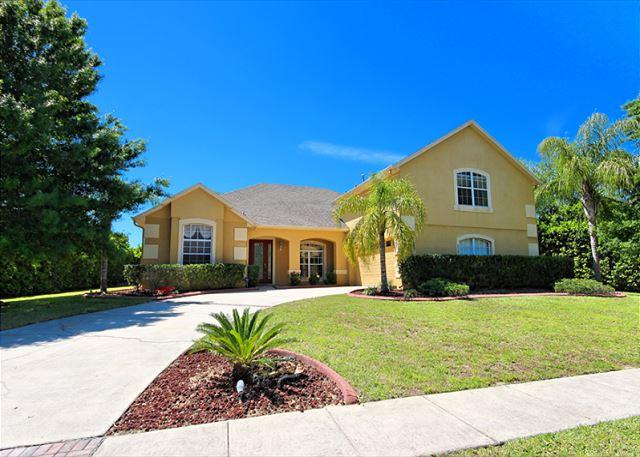 FORMOSA VILLA: 5 Bedroom Home in Gated Community with Secluded Pool and Spa - Image 1 - Kissimmee - rentals