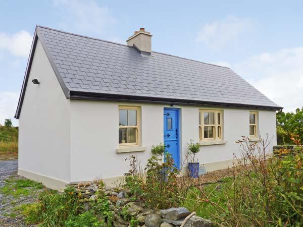 BLUEBELL COTTAGE, pet friendly, character holiday cottage, with a garden in Spanish Point, County Clare, Ref 11397 - Image 1 - Spanish Point - rentals
