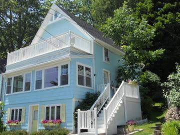 Beautiful SEASIDE COTTAGE with Delightful OCEAN VIEWS! - Portland Area Cottage w/OCEAN VIEWS ~ pet friendly - Falmouth - rentals