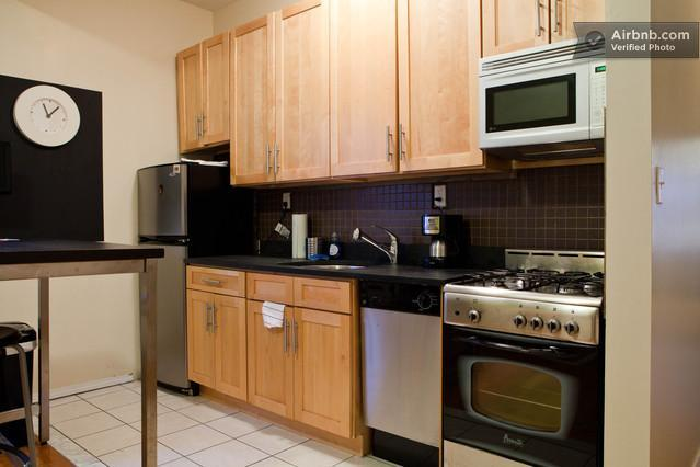 2 Bedroom Condo in Great Brooklyn Neighborhood! - Image 1 - Brooklyn - rentals