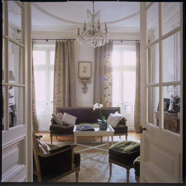 Living room - Large Classic Luxury Marais Pied-a-Terre - 4th Arrondissement Hôtel-de-Ville - rentals