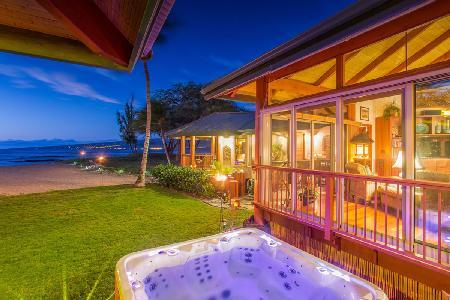 Paradise at Puako Hylton Beachfront Villa with Home Theatre and Jacuzzi - Image 1 - Puako - rentals