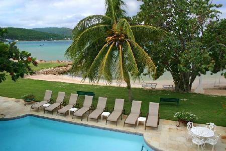 A Summer Place on Discovery Bay- private beach, pool, tennis & staff - Image 1 - Discovery Bay - rentals