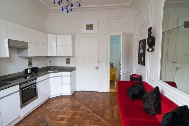 The living room with open kitchen - Chic French Style, Perfect Location.1+ BR sleeps 4 - 3rd Arrondissement Temple - rentals