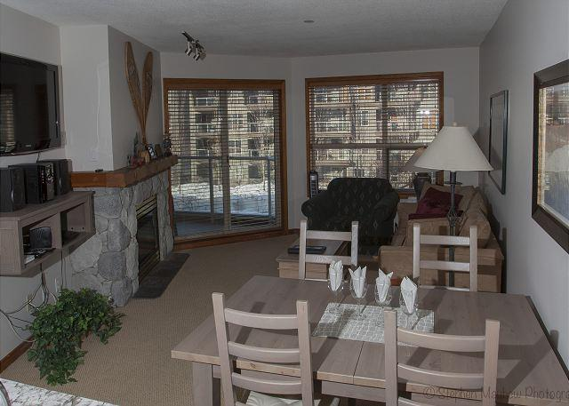 Living Area with Courtyard View - Aspens, prime ski-in, ski-out, 1 bdrm with bright, pool view - Whistler - rentals