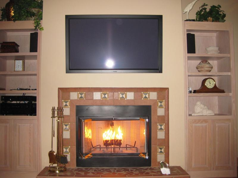 Cozy Wood Burning Fireplace - Now Accepting Fall & Winter Reservations - Pensacola Beach - rentals