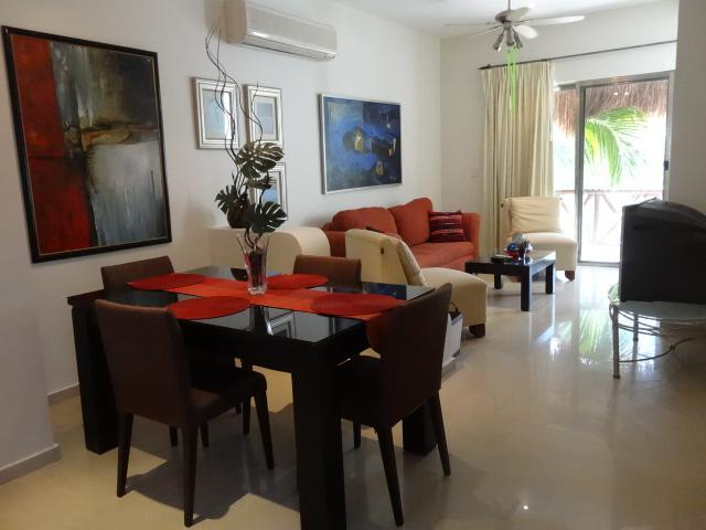 "living room/dining room - ""Casa Bellissima"" - 1 BR Penthouse at Coco Beach - Playa del Carmen - rentals"