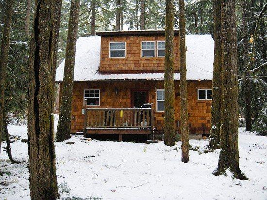Glacier Springs Cabin #12 - With a covered porch...sweet! - Image 1 - Maple Falls - rentals