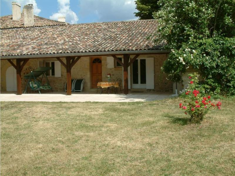 Cottage Terrace facing west - Beautiful Stone Cottage very close to St Emilion - Branne - rentals