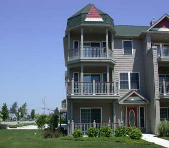 """Large Condo with Pool """"The Sandy Clam"""" 105315 - Image 1 - Cape May - rentals"""