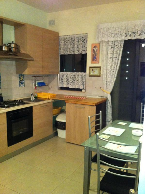 Kitchen and Dining room- Near living room - apartment in Qawra north of the Island of Malta - Qawra - rentals
