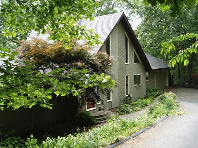 Front of home - Long Range Mountain/River Views - hot tub - Asheville - rentals