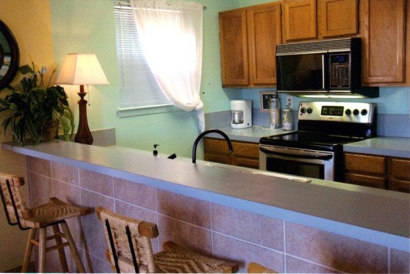 Kitchen - Cozy block to beach BBQ & Wash, sleeps 6 pets ok - South Padre Island - rentals