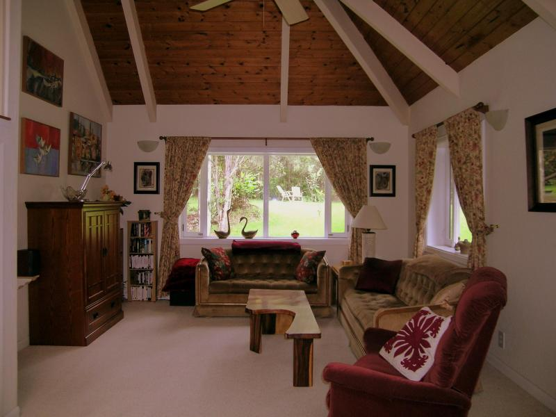 Comfortable and spacious - Quiet, comfortable, near Park and Hilo sightseeing - Volcano - rentals