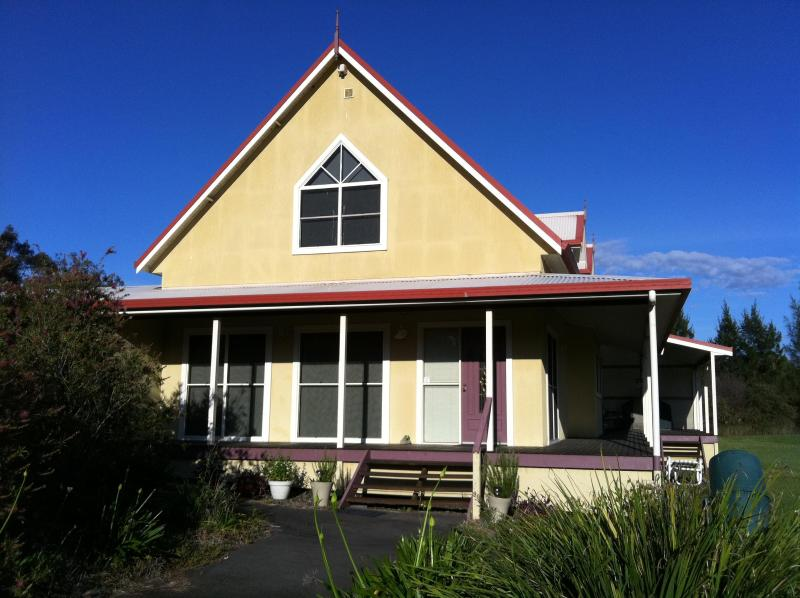 Front View of the cottage - Artist Cottage : 3 Bedroom Spacious Cosy Relaxing - Lovedale - rentals